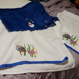 2 fish bath towels ,1 snowman bath towel, hand one